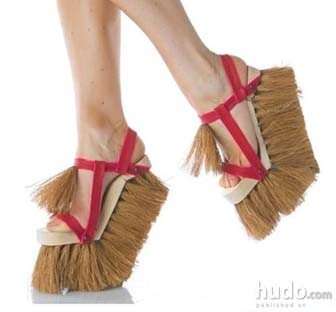 cleaning shoes joke picture