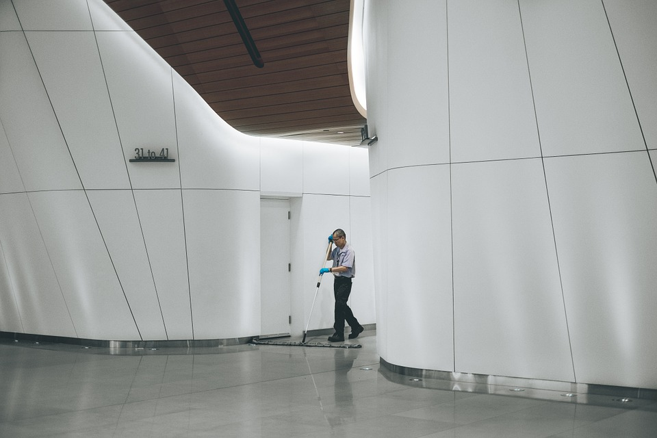 commercial janitorial services picture